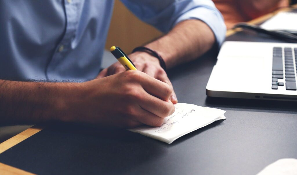 How to Choose the Best Essay Writing Service